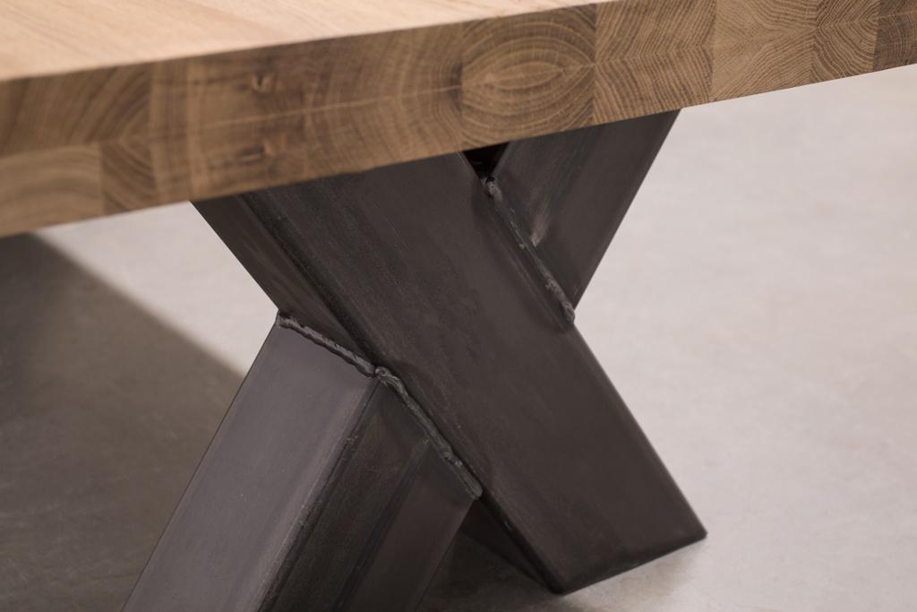 Industrie Design Couchtisch Stahlkreuz - Rustikale Eiche - Art. 102