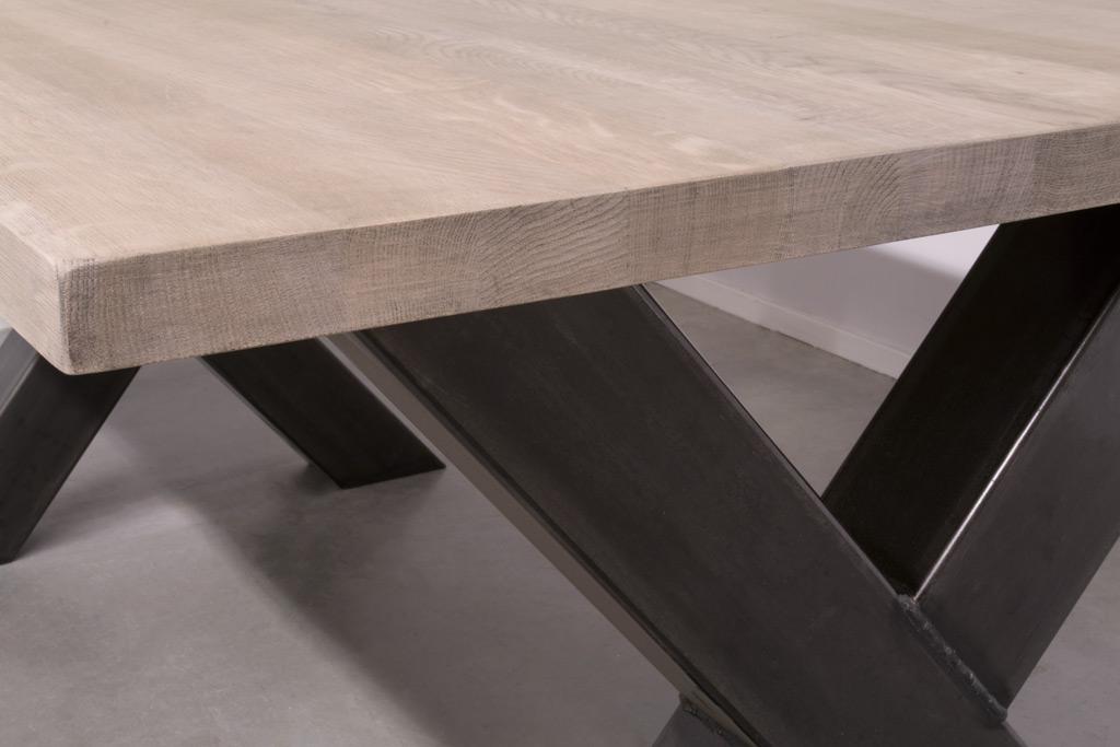 Industrie Design Esstisch Stahlkreuz - Neue Eiche - Art. 102