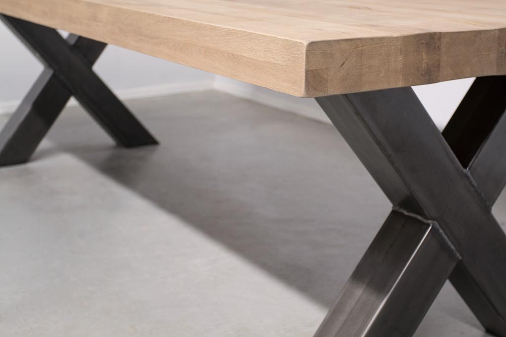 Industrie Design Esstisch Stahlkreuz - Rustikale Eiche - Art. 102