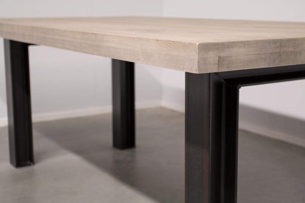 Industrie Design Esstisch n-Stahl Profil - Rustikale Eiche - Art. 246