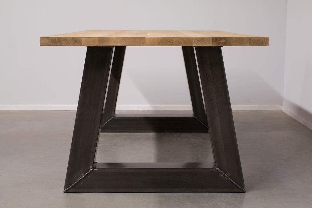 Industrie Design Esstisch Stahl Trapez - Rustikale Eiche - Art. 295