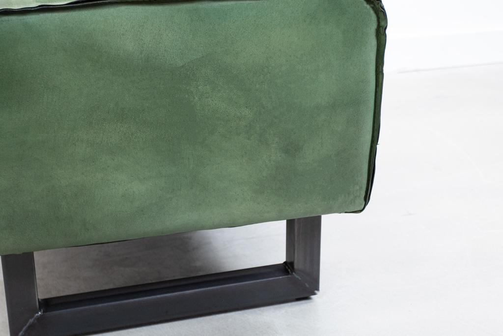Industrie Hocker Antonov - Büffelleder Vintage