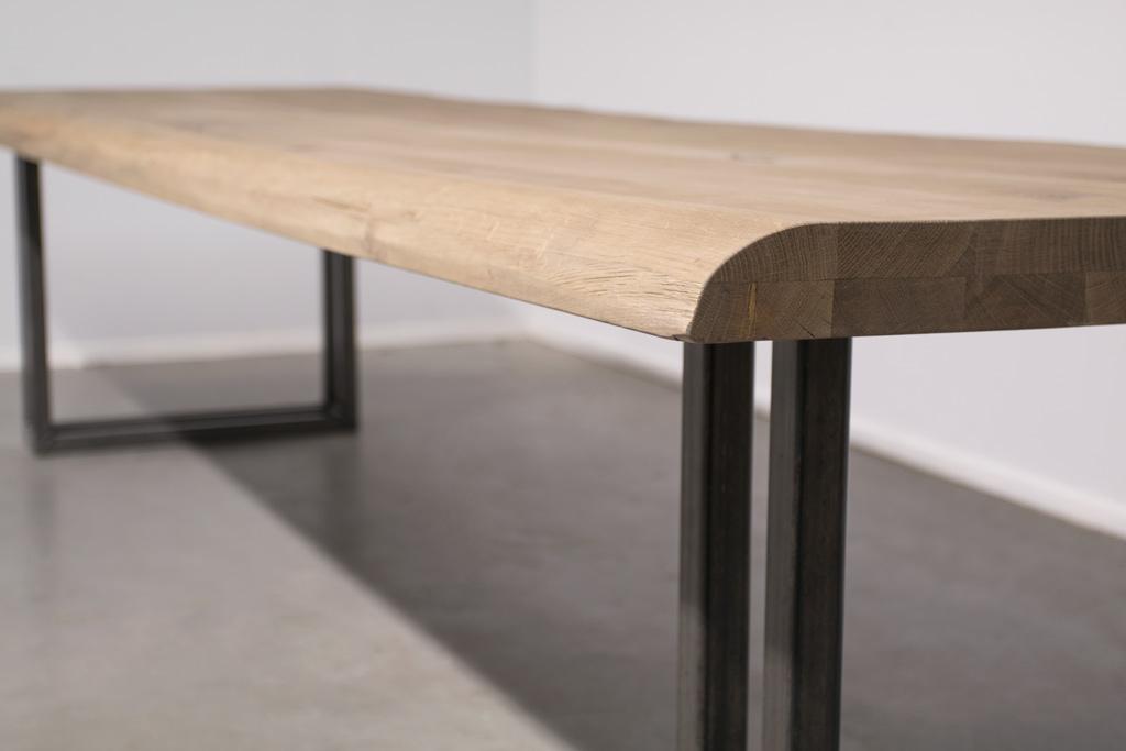 Industrie Design Esstisch U-Gestell Doppelt - Baumstamm Eiche - Art. 303