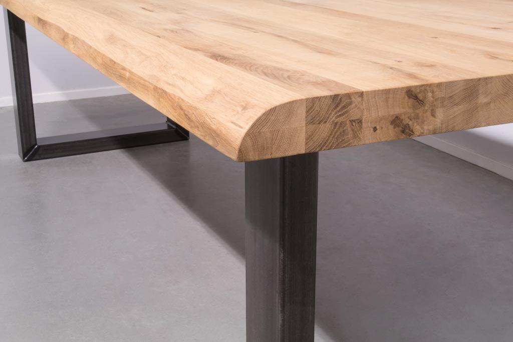 Industrie Design Esstisch U-Gestell - Baumstamm Eiche - Art. 360