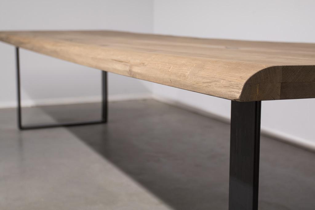 Industrie Design Esstisch U-Gestell - Baumstamm Eiche - Art. 370