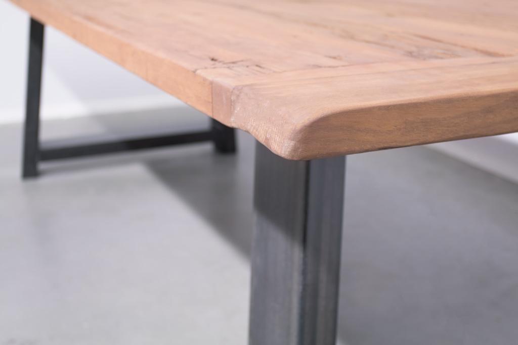 Industrie Design Esstisch Stahl Trapez Schräg - Alte Eiche - Art. 414