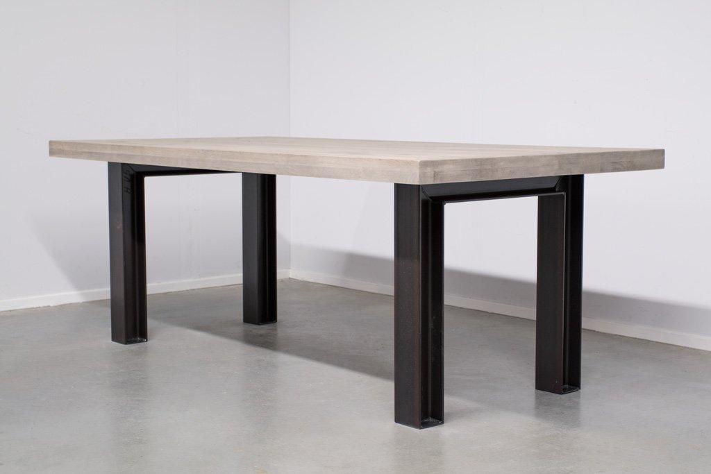 Industrie Design Esstisch n-Stahl Profil - Neue Eiche - Art. 246