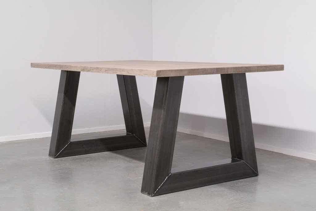 Industrie Design Esstisch Stahl Trapez - Neue Eiche - Art. 295