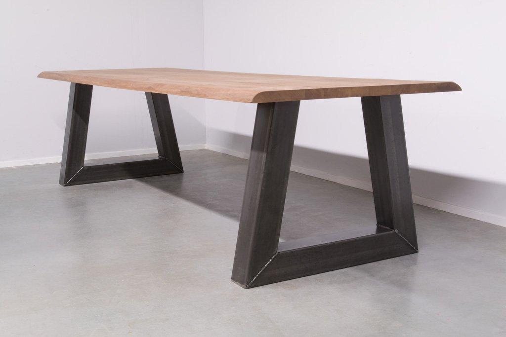 Industrie Design Esstisch Stahl Trapez - Baumstamm Eiche - Art. 295
