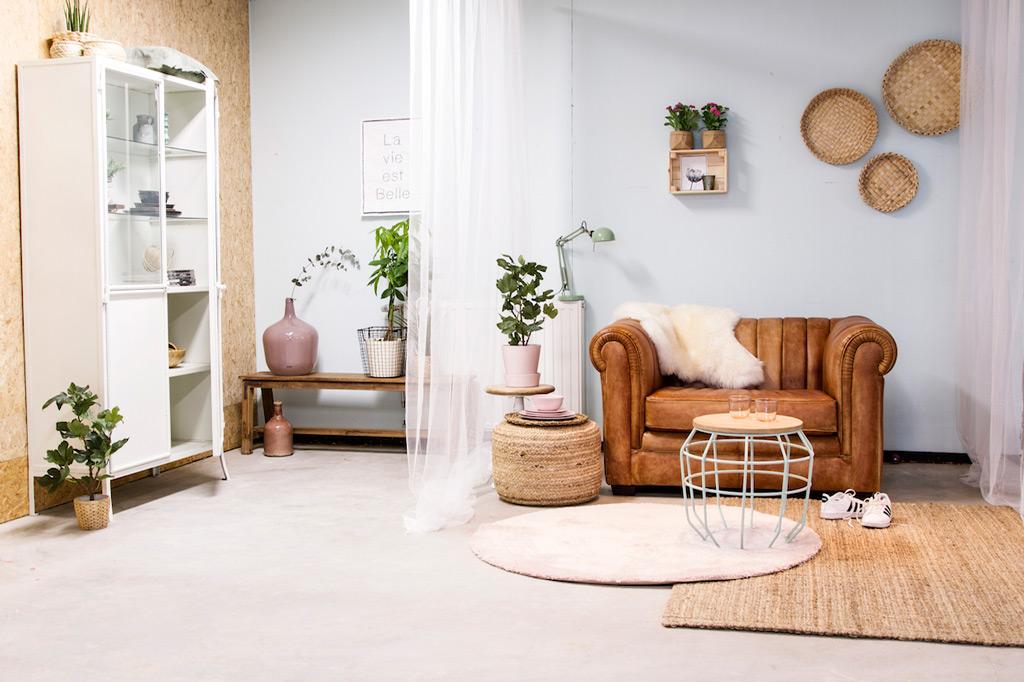 industrieller wandschrank mit 4 glast ren metall mit glas art b108w. Black Bedroom Furniture Sets. Home Design Ideas